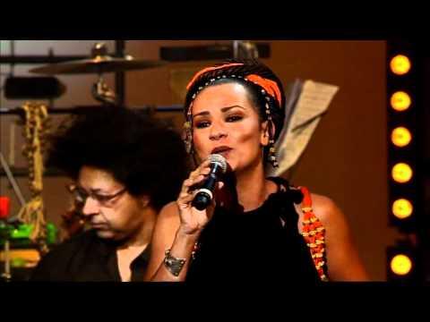 Manu Dibango au Casino de Paris – Oum Song