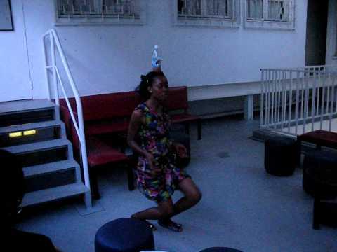 Claudine Noah – Bassa'a bottle dance