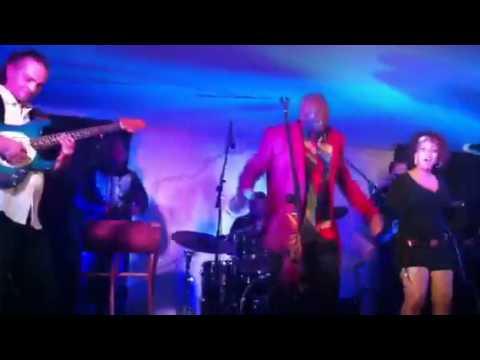 Mama Ohandja – Planet Mundo Kfe (live)