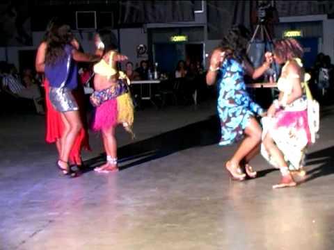Edouardo BB – et ses danseuses d'assiko