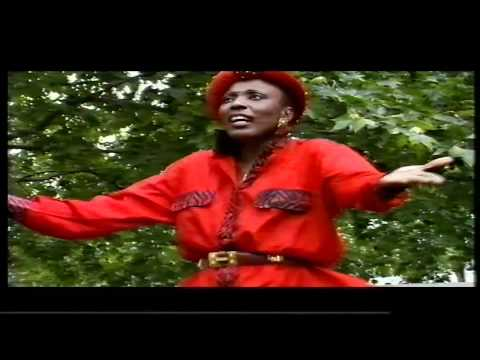 CHARLOTTE MBANGO  – mumi
