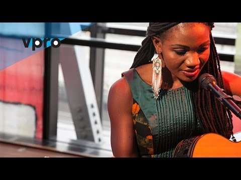 Kareyce Fotso live – Tiwassa